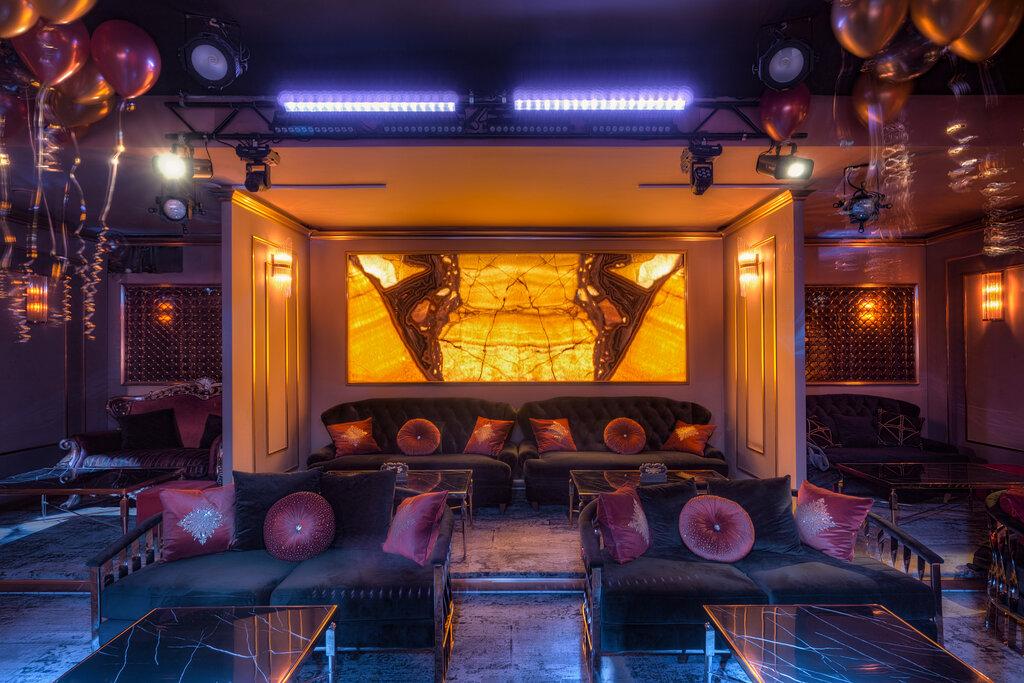 Клубы кабаре москвы танцующие девушки голые ночном клубе
