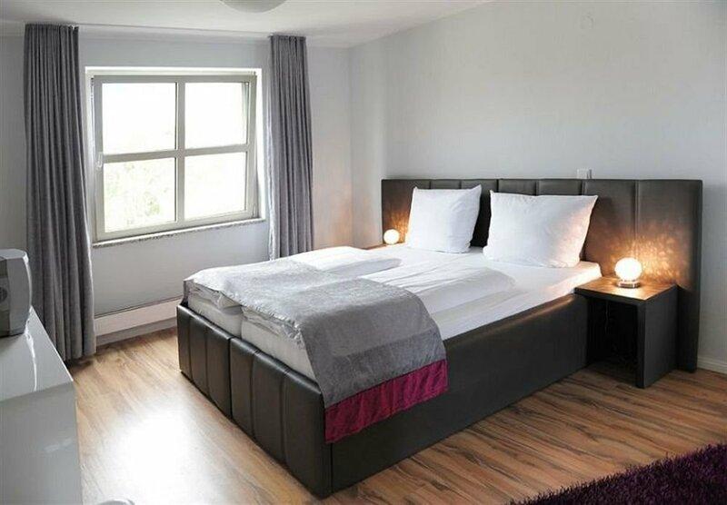 In Hotel Berlin