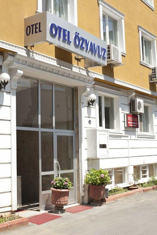 Otel Öz Yavuz