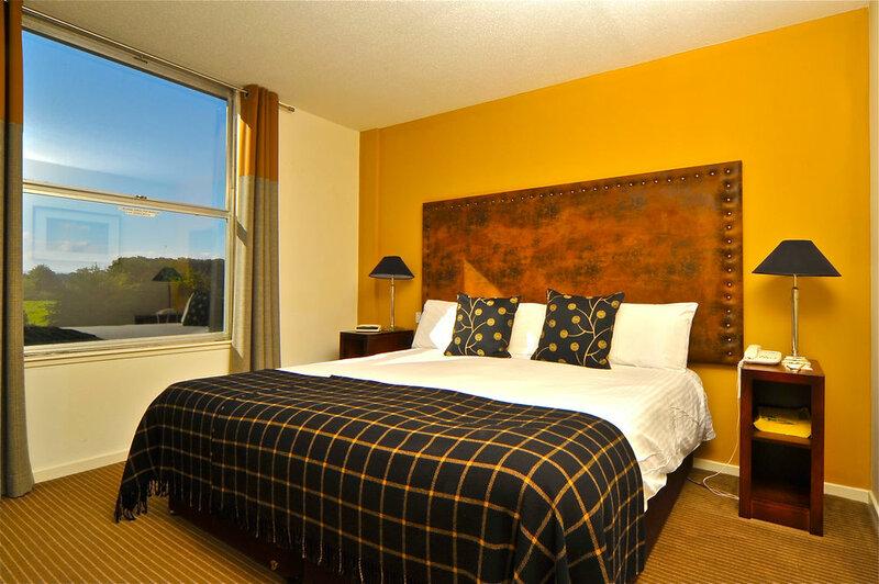 Crerar Eight Acres Hotel