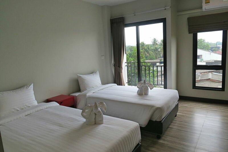 Good Morning Hotel at TakuaPa