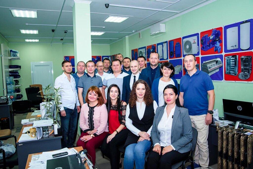 осуществляется фото сотрудников фирмы сис калининград клубника ягоды