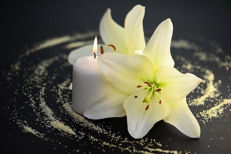 нашем картинки цветок лилии и свеча девочка
