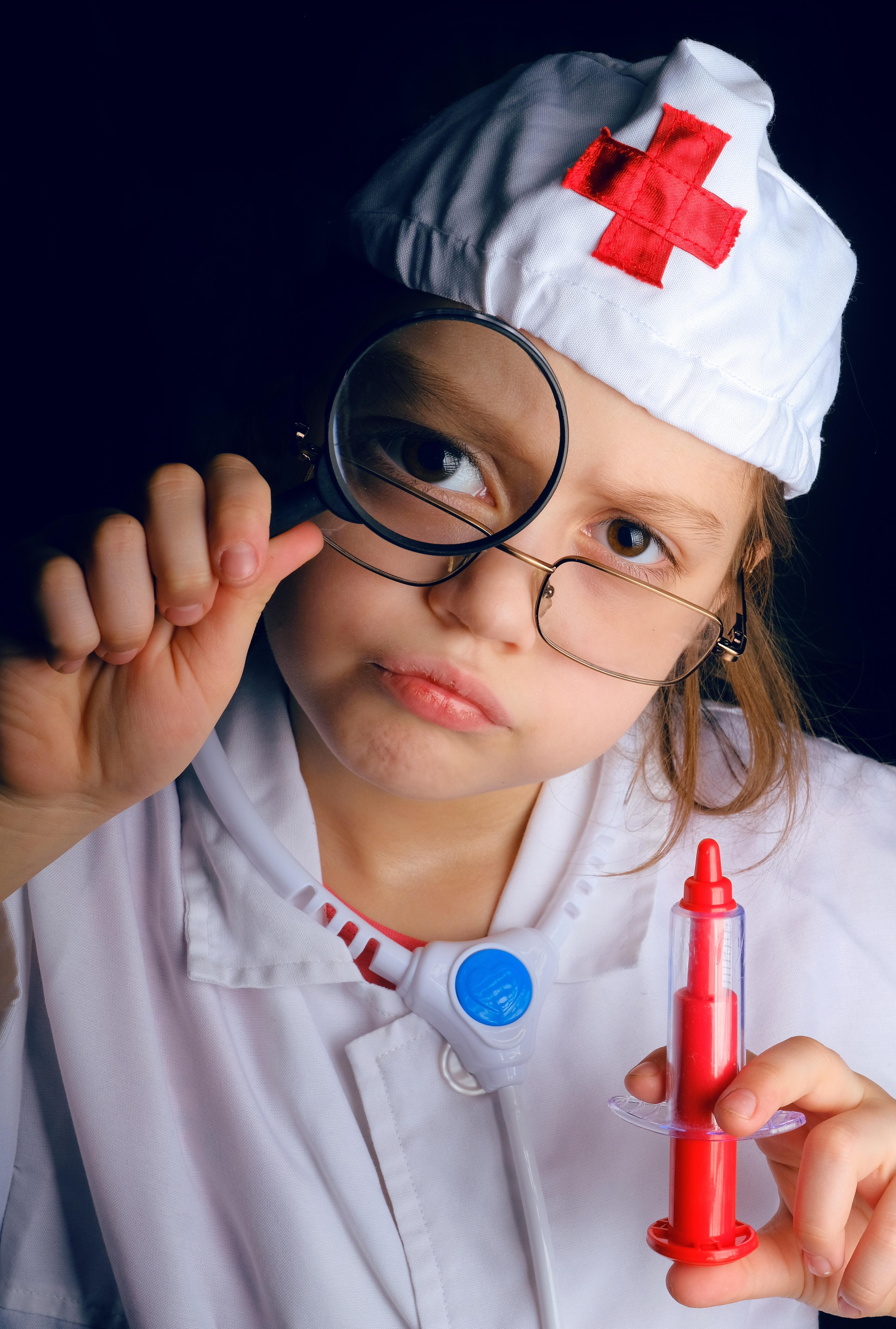 Бумаги, картинки про врачей смешные детские