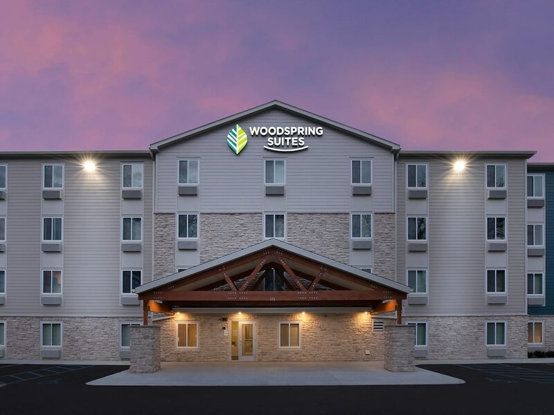 WoodSpring Suites Portland North Gresham