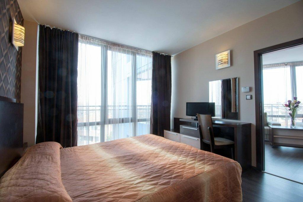 Дубай отель шератон джумейра бич фото описание целом
