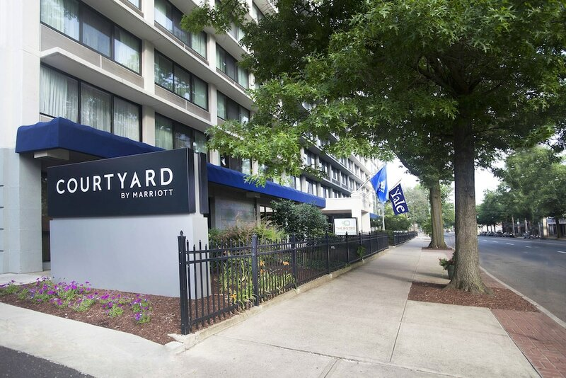 Courtyard by Marriott At Yale - Run Of House