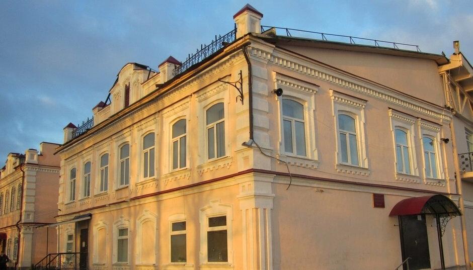 дом культуры — Искра — посёлок городского типа Бисерть, фото №1