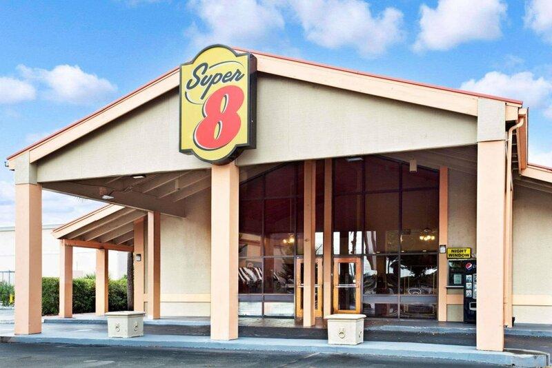 Super 8 Kissimmee/Orlando Area