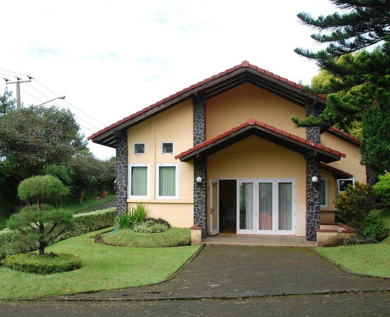Villa ChavaMinerva Istana Bunga-Lembang