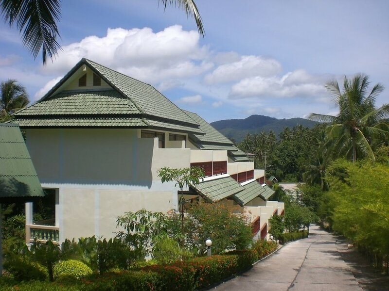 Отель Golden Hill Resort
