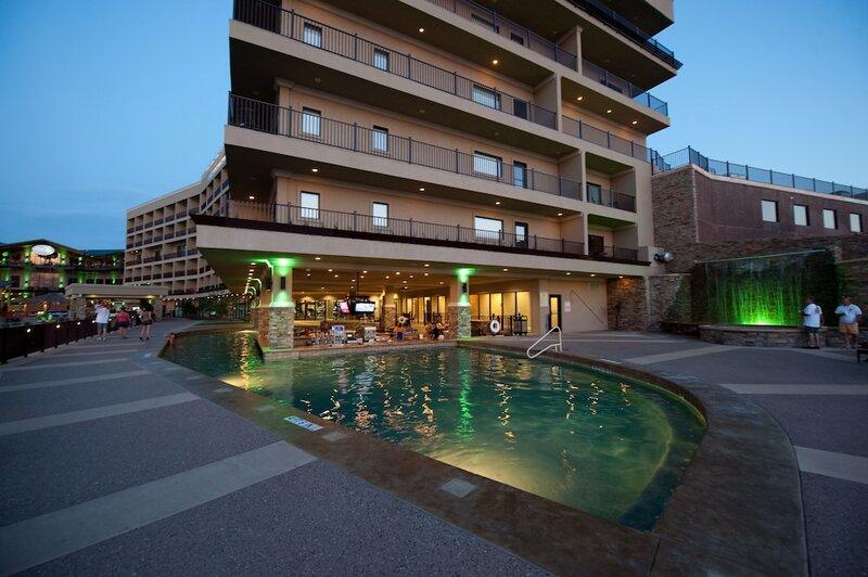 Camden On The Lake Resort, SPA Yacht Club