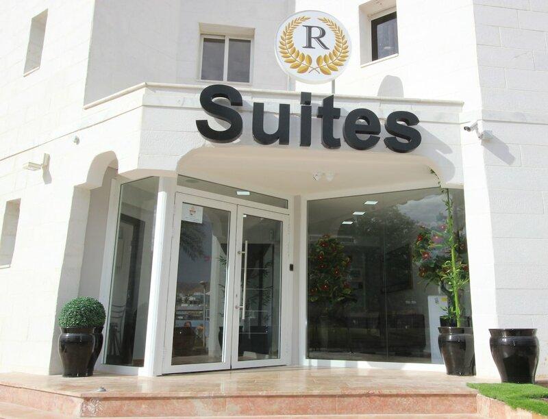 Rich Royal Suites