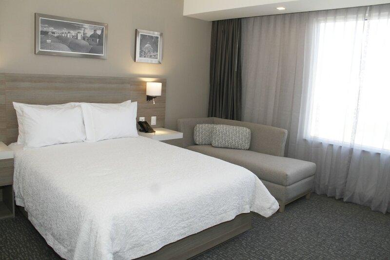 Hampton Inn & Suites by Hilton Puebla