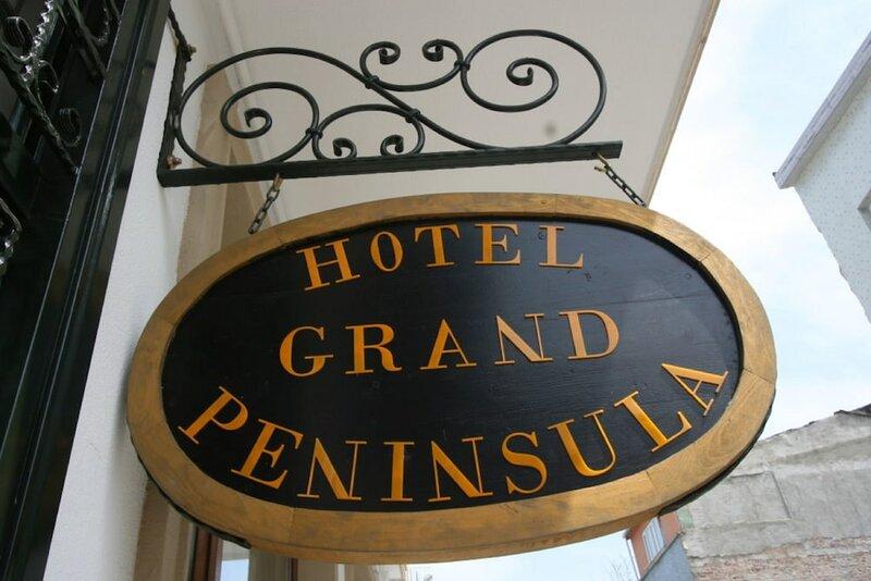 Grand Peninsula Hotel