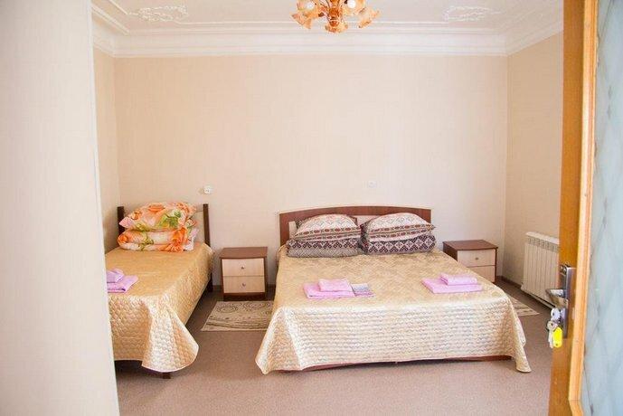 Guest House On Suvorova