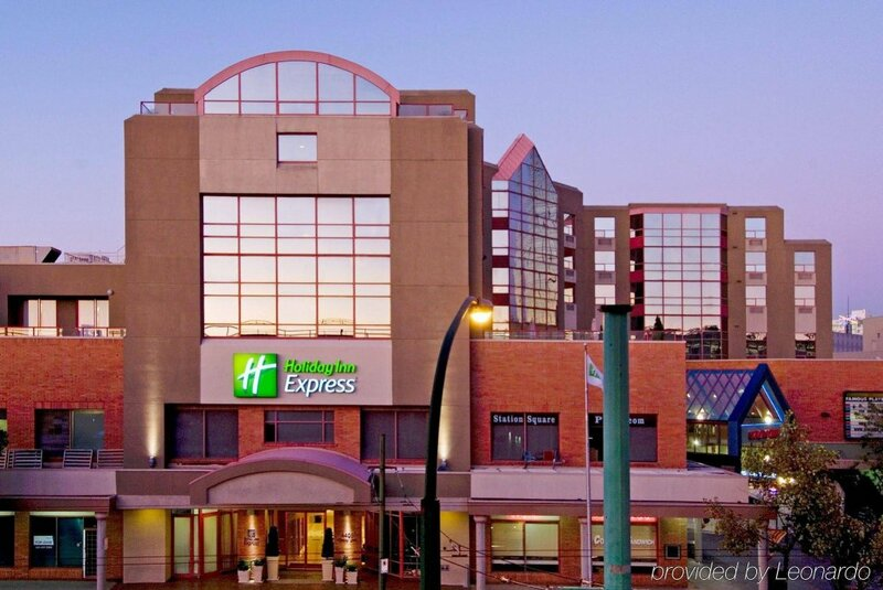 Holiday Inn Express Vancouver-Metrotown, an Ihg Hotel
