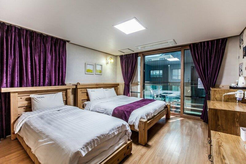 Cheonjiyeon Hotel