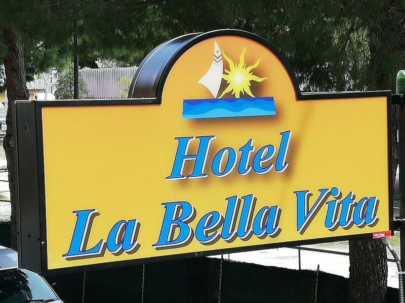 Hotel La Bella Vita
