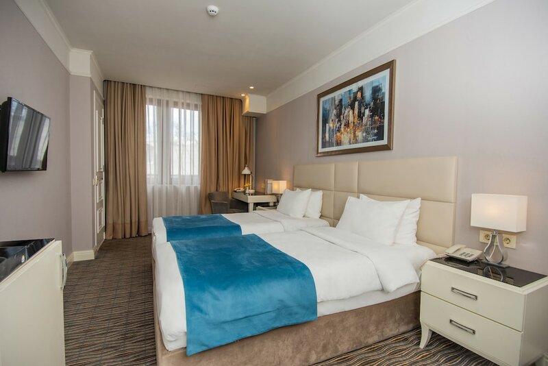 Отель City Avenue