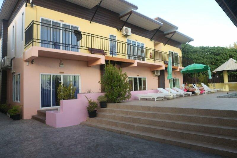 Anyavee Nam Mao Beach Resort