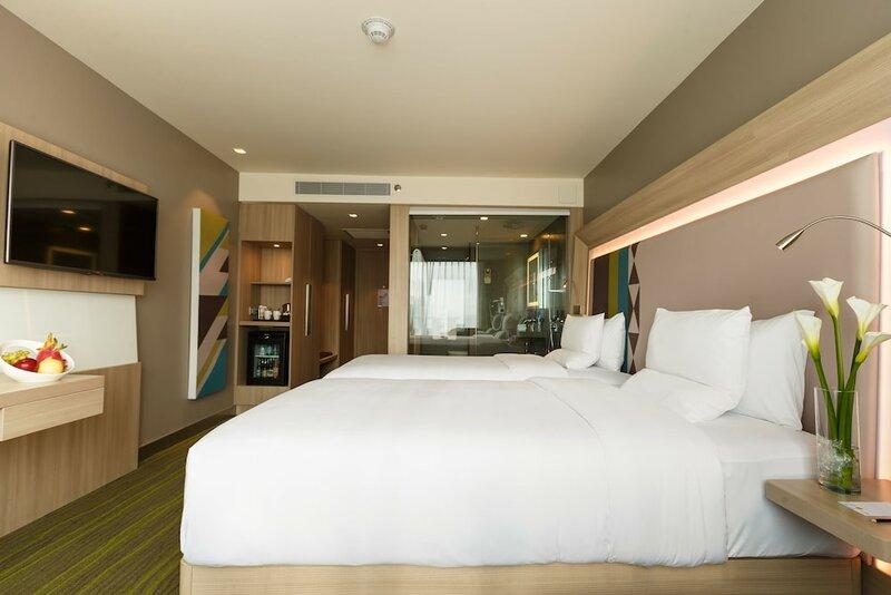 Novotel Manila Araneta City Hotel