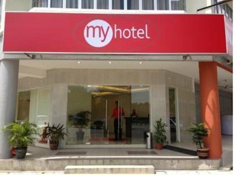 Oyo 653 Green World Hotel