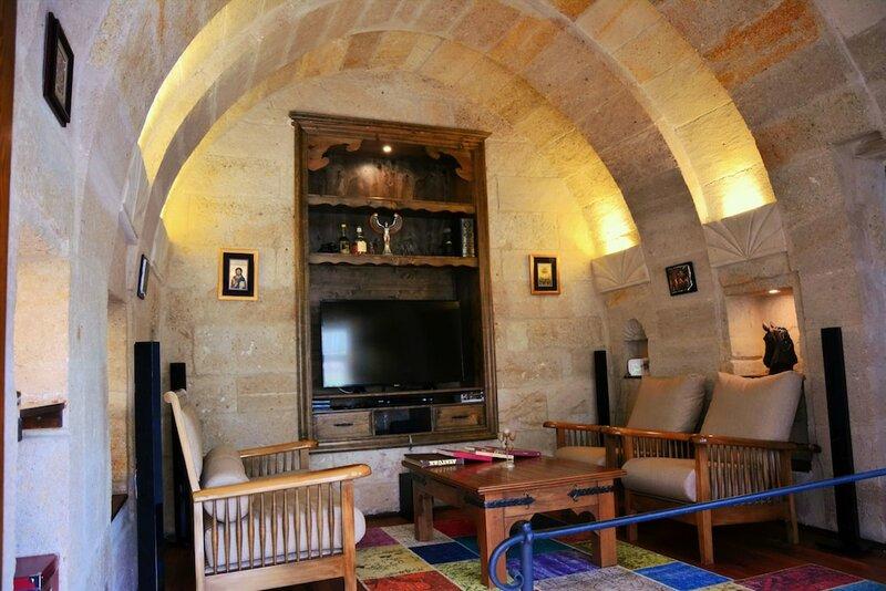 Kayhan Cave Villa