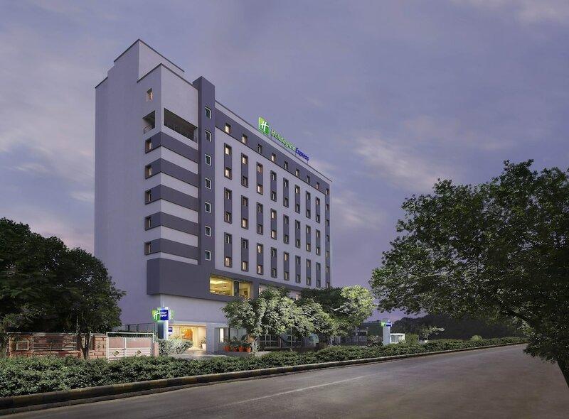 Holiday Inn Express Ahmdabad Prahlad Nagar