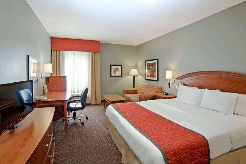 La Quinta Inn & Suites by Wyndham Olathe