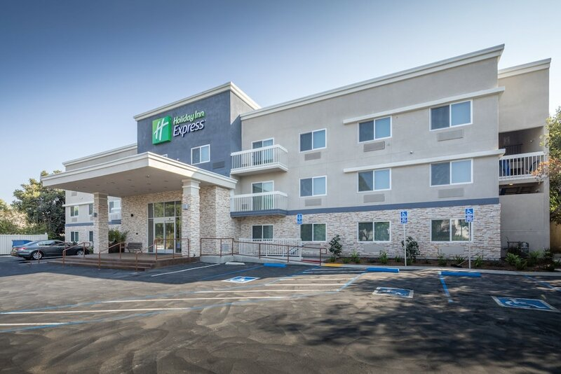 Holiday Inn Express Sunnyvale - Silicon Valley, an Ihg Hotel