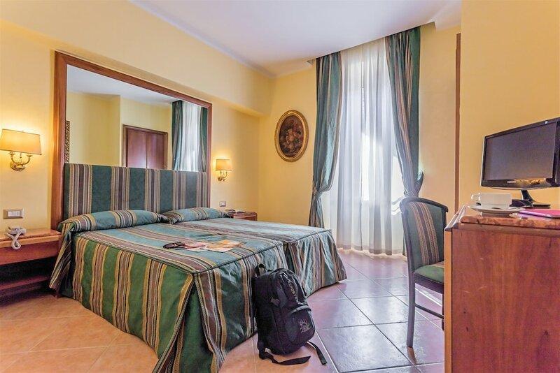 Raeli Hotel Noto