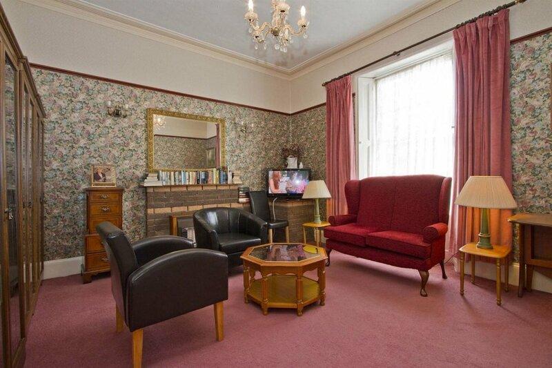 Ashurst Lodge Hotel