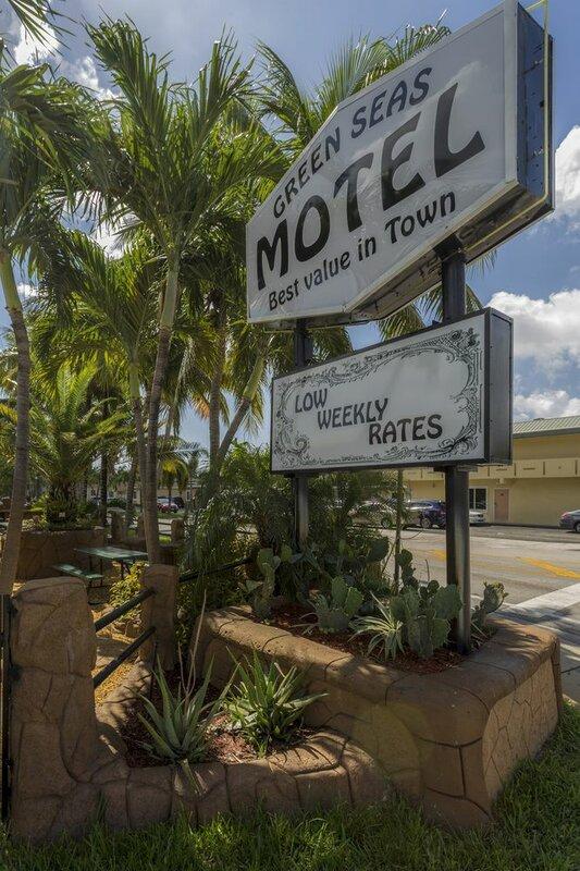 Green Seas Motel