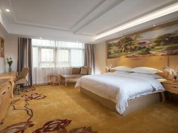 GreenTree Inn Guangdong Shenzhen Dongmen Business Hotel