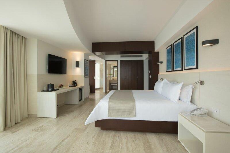 Altitude by Krystal Grand Punta Cancun - All Inclusive