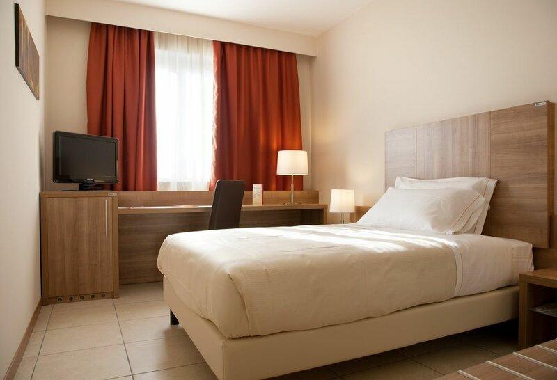 Отель Sanluigi Turin