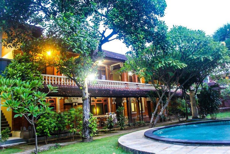 Budhi Beach Inn