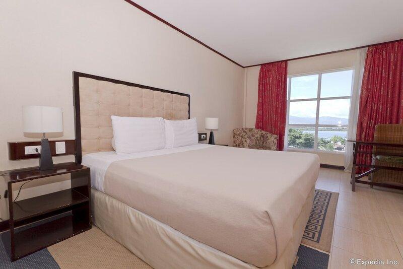 Dulcinea Hotel and Suites
