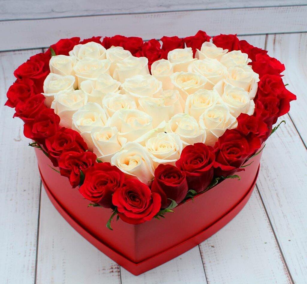Букеты роз в форме сердца фото
