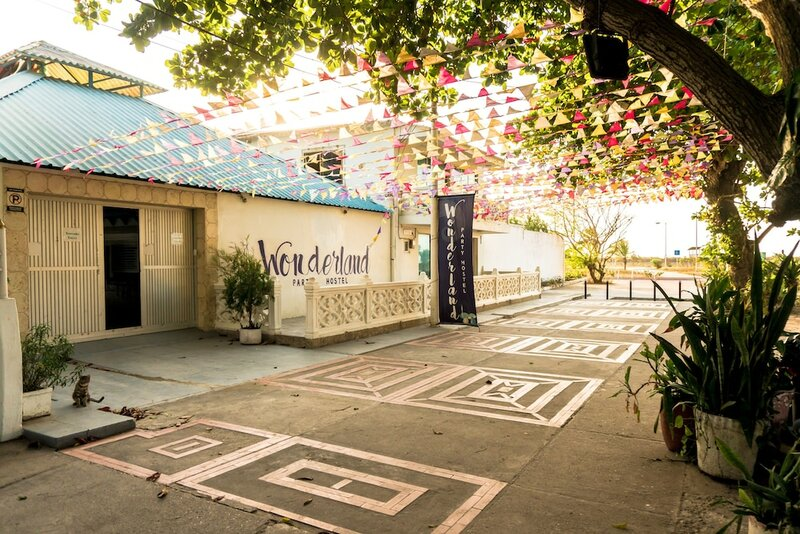 Wonderland Hostel by Gb Collection