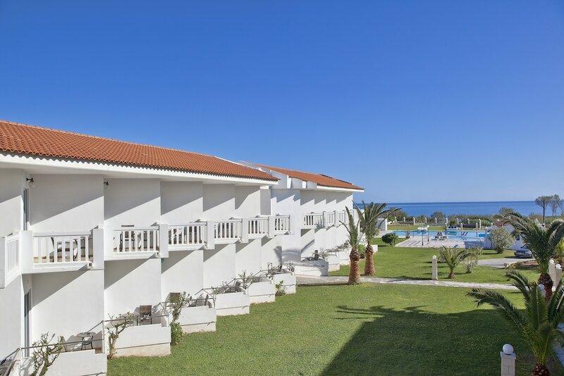 Mrs Chryssana Beach Hotel