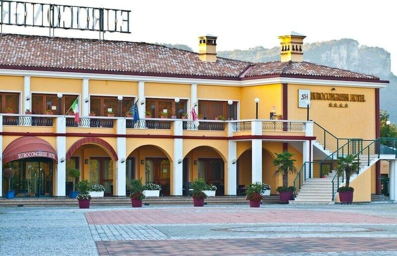 Отель La Rondinaia in Eurocongressi