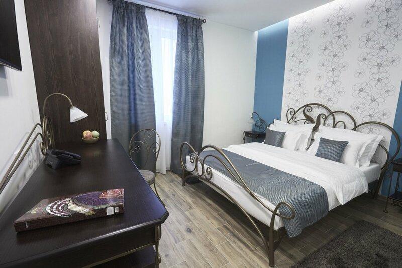 Dum Garni Hotel
