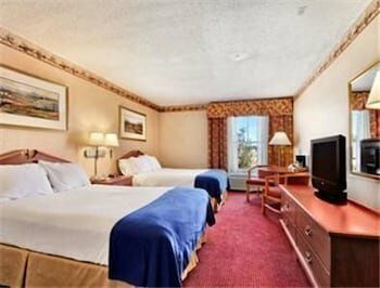 Texas Hill Country Hotel by Holiday Creek