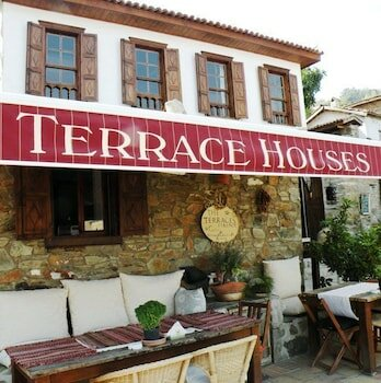 Terrace Houses Sirince - Fig, Olive And Grapevine