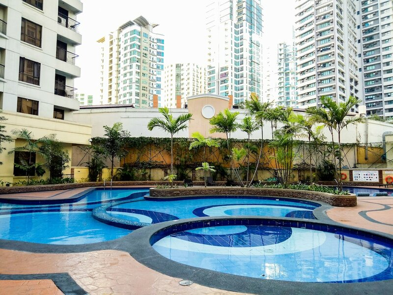 Forbestown Place at the Fort Bgc n St. Luke's and Burgos Circle