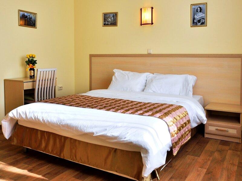 Sanriz Hotel