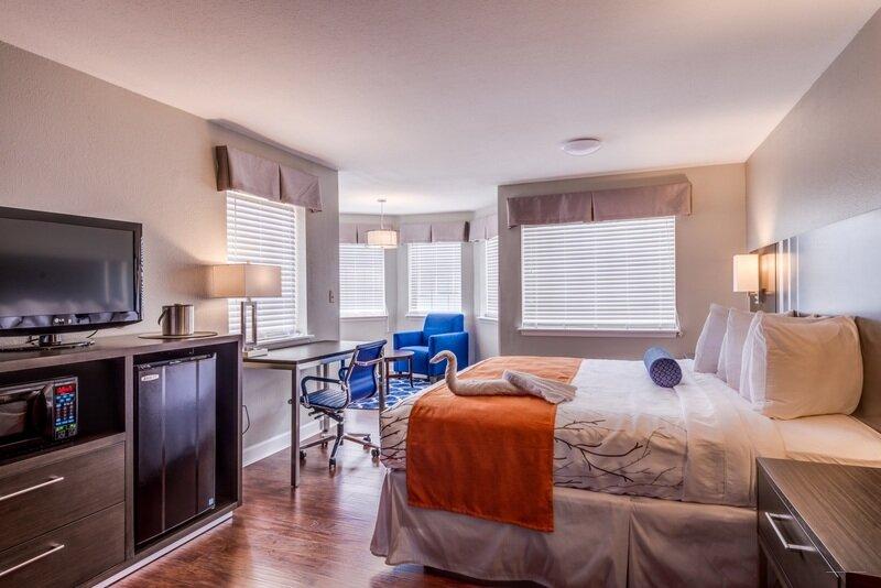 Americas Best Value Inn & Suites - Tahquamenon Country
