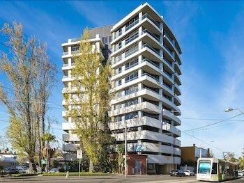 Melbourne Kew Central Apartment Hotel